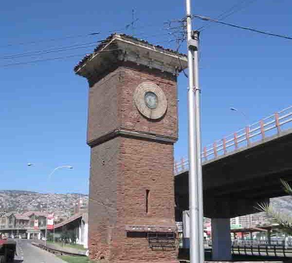 Torre Reloj Estación Barón
